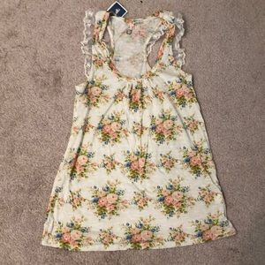 NWT Lacey floral tank top